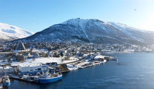 The view of the mainland side of Tromsø. Notice the Arctic Cathedral on the left side.